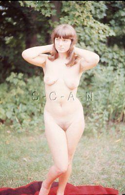 retro amateur nude women out doors