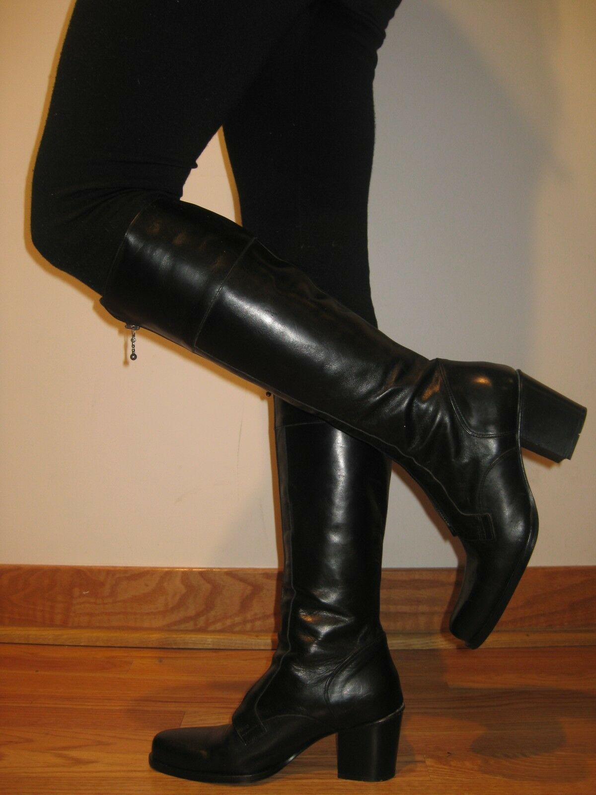 GUESS NEW  black classic LOGO Riding boots boots boots zipper closure Italian Leather Sz 37 a20d9d