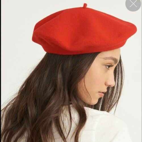 Classic Red Beret One Size Great Condition