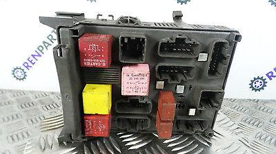 Renault Laguna 2001-2005 Engine Fuse Relay Box 8200283814 8200004201