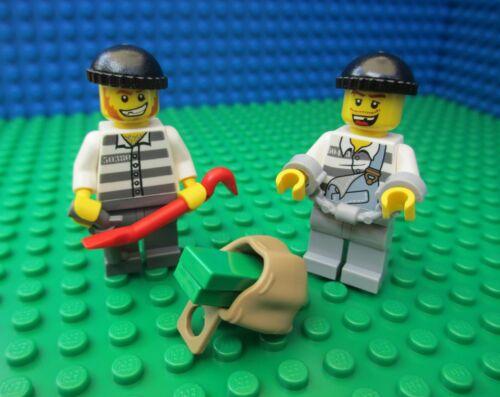 Lego Prisoners (Robbers Town City Jail Police Prison Rucksack Crowbar)