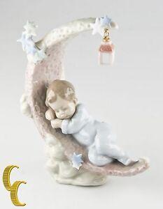 Lladro-034-Heavenly-Slumber-034-6479-Baby-Sleeping-in-Cloud-Retail