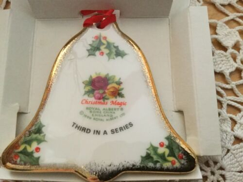 1990 ROYAL ALBERT BELL ORNAMENT 3RD IN SERIES NEW IN BOX