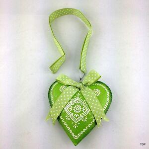 DéLicieux Coeur En Tôle Hell Vert Avec Ornement Boucle Et Bande Pour Pendre-afficher Le Titre D'origine