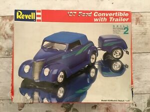 REVELL-37-FORD-CONVERTIBLE-WITH-TRAILER-Plastic-Model-Construction-Kit