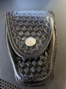 Tex Shoemaker Black Leather Police Duty Flashlight Holder Plain Basketweave