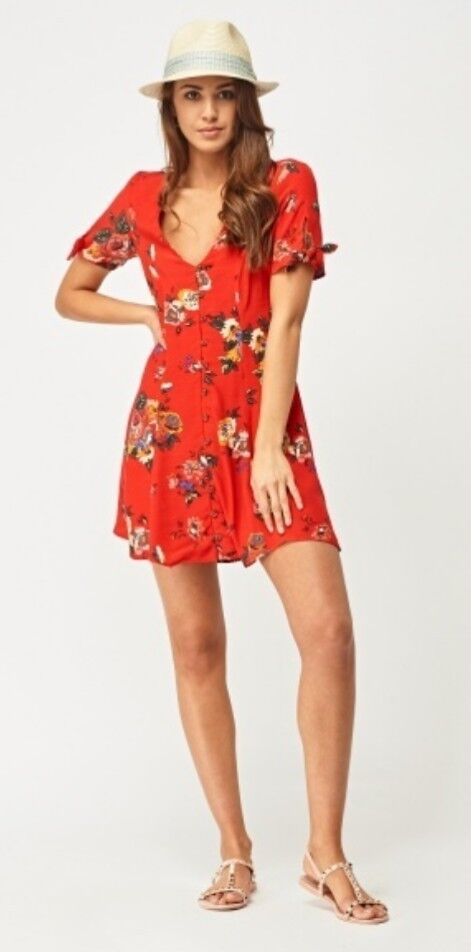 Beautiful pins and needle red floral Summer tea dress BNWT