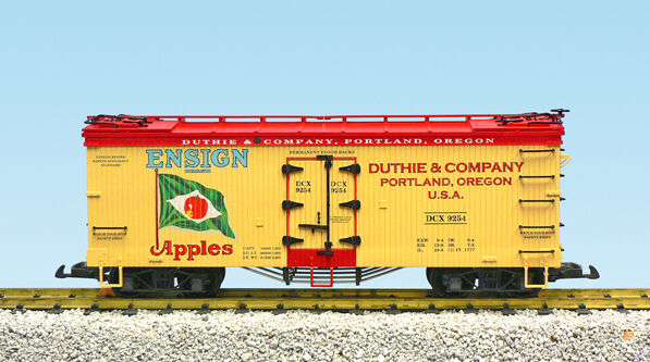 USA Trains G Scale 16477 U.S. REEFER CAR rosso Ensign Apples NEW RELEASE
