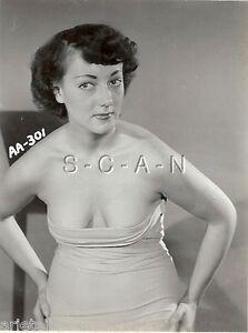 Original Vintage 1940s-60s Nude RP- Lifts Skirt- Garter