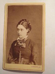 Bielefeld-Lemgo-Frau-mit-Zopf-im-Kleid-Portrait-CDV