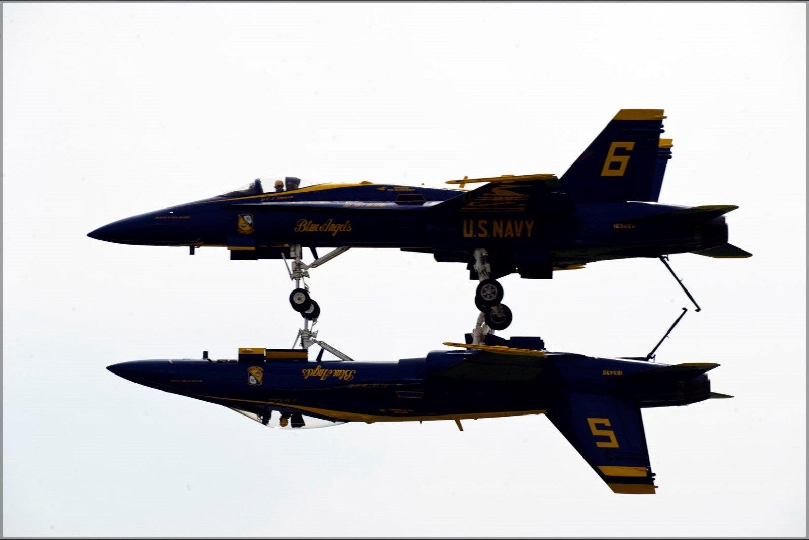 Poster, Many Größes; U.S. Navy Flight Demonstration, The Blau Angels, Fortus Mane