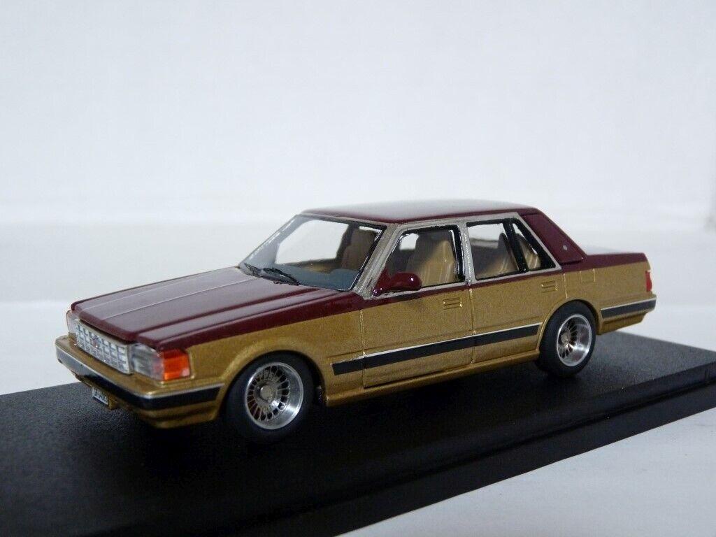 Inconnu 1 43 1988 TOYOTA CROWN 2800 résine fait main modèle voiture