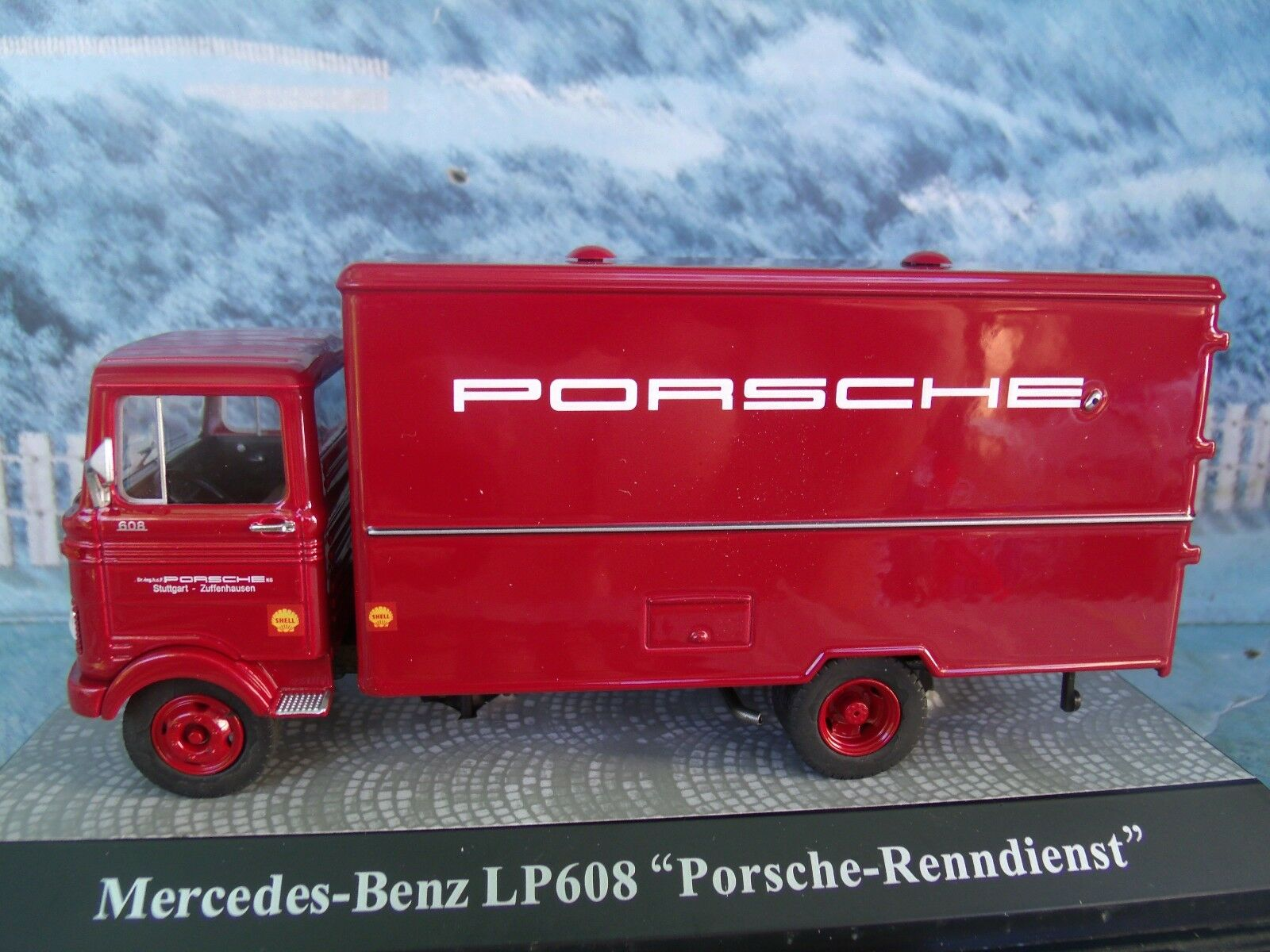 1:43 PREMIUM CLASSIXXS (Alemania) Mercedes LP 608 Camión