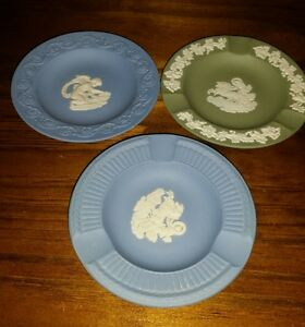 Lot-of-3-Wedgwood-2-blue-1-green-Jasperware-small-plates-4-5-inches-England