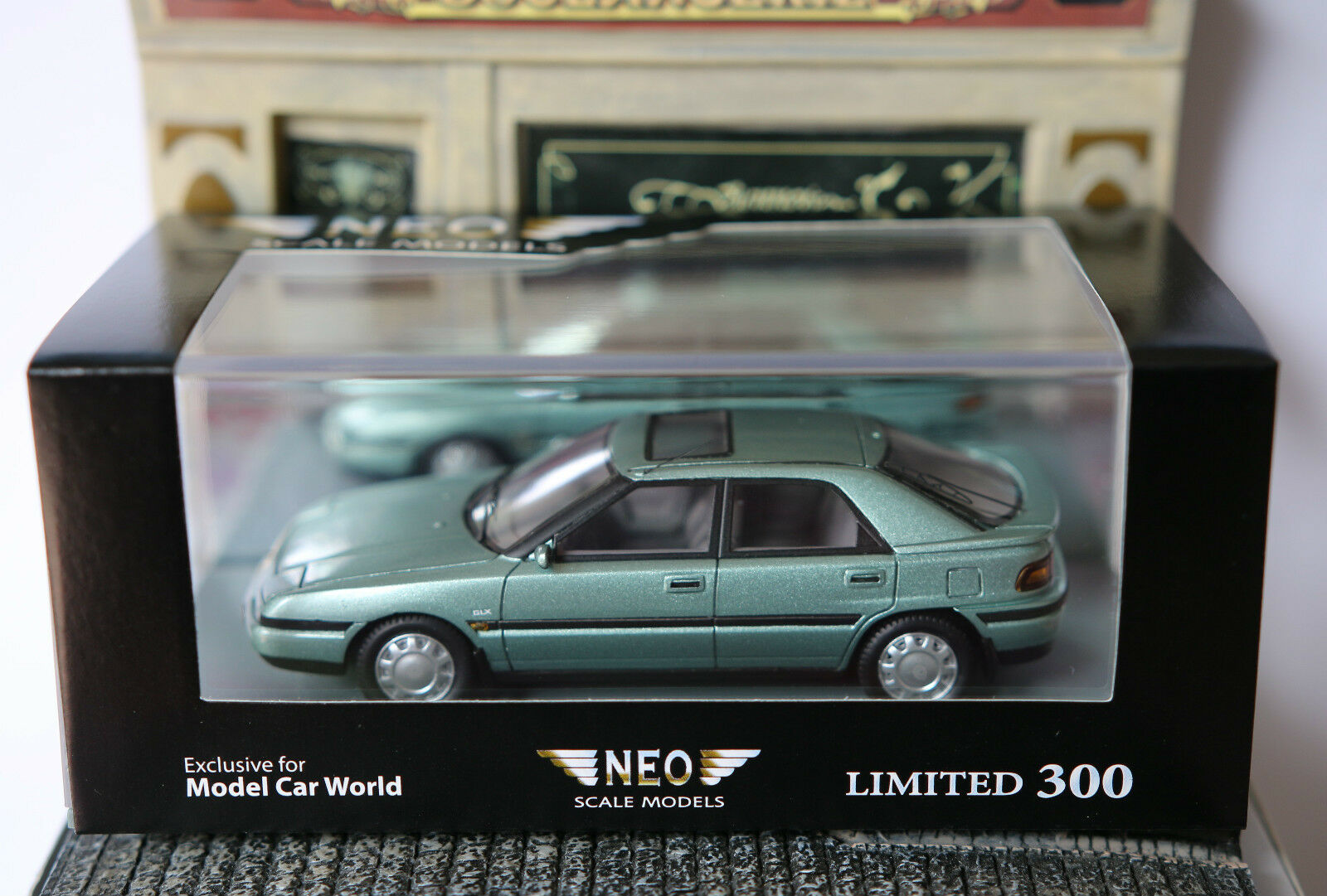 MAZDA 323F GLX 1992 LIGHT verde METAL NEO 43638 1 43 LHD LEFT HAND DRIVE RESINE