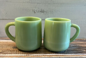 Lot-of-2-Vintage-Jadeite-Green-Glass-Large-Heavy-Coffee-Cup-Mugs-4-25-034-Tall