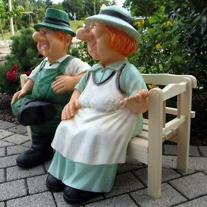 Bauer Heinz Bäuerin Jutta Auf Holz Bank Sitzend Oma Opa Garten Deko