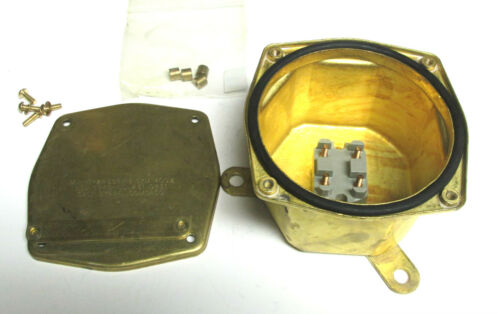 """* NEW.. Comsaco Brass Junction Box Cat# MIL-T-24558//18 SYM 400.2 5/"""" . YH-463"""
