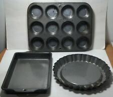 EKCO baking pans 3 different pans. Muffins, cake crust and square