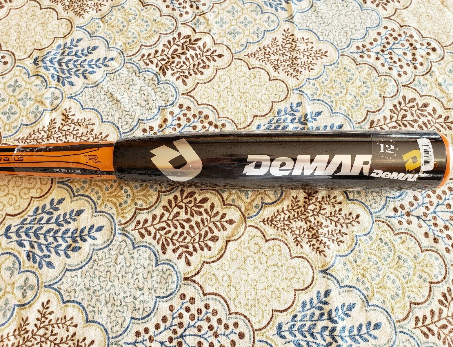 Demarini Vendetta rieles 32 29 -3, Besr bate de béisbol negro naranja.