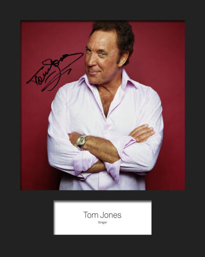 FREE DELIVERY TOM JONES #2 10x8 SIGNED Mounted Photo Print