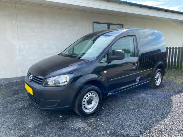 VW Caddy 1,6 TDi 75 BMT Van Diesel modelår 2013 Sort km…