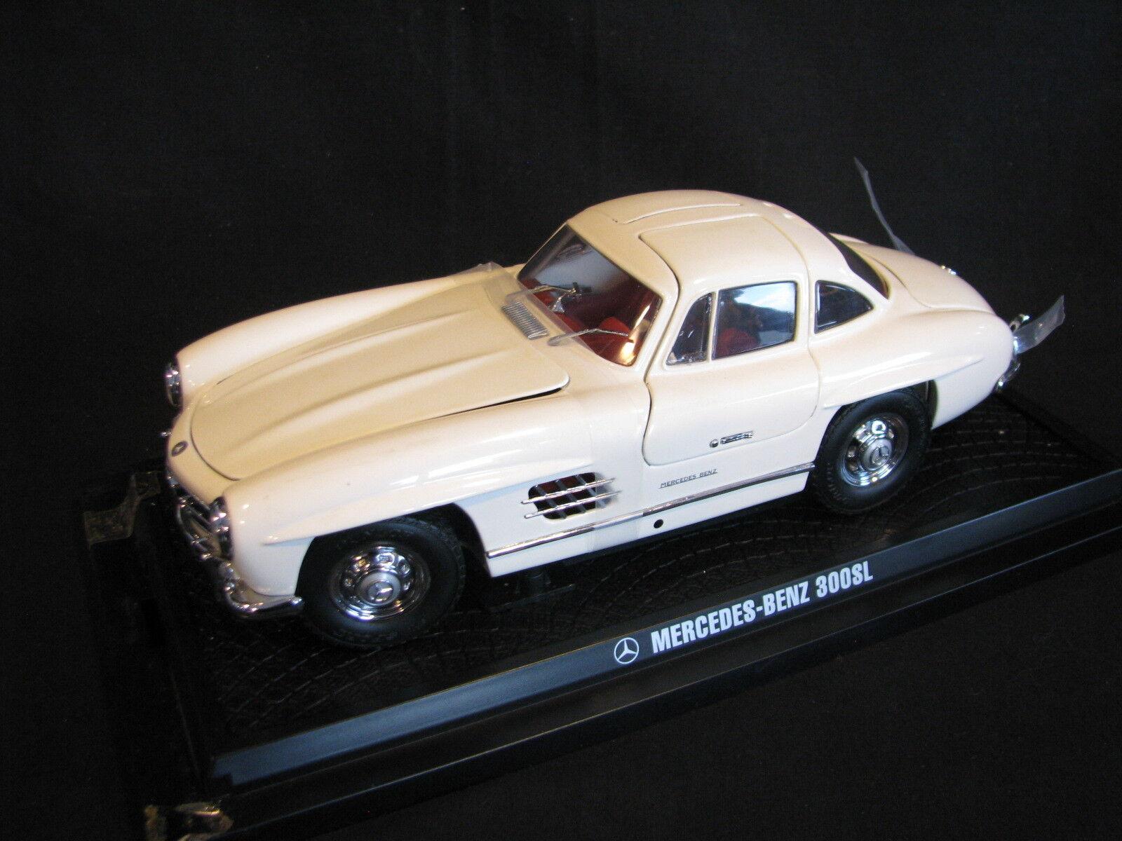 Kyosho Mercedes-Benz 300 SL Coupé Gullwing 1 18 bianca (JS)