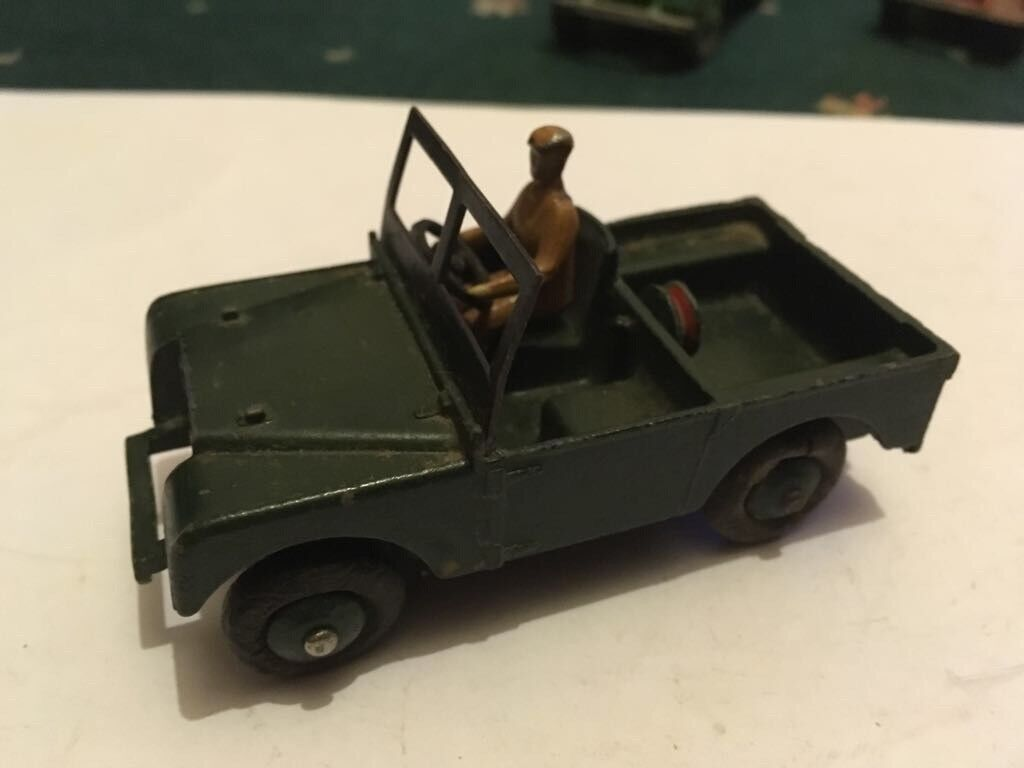 Old Dinky Toys No340 Model Landrover In Green
