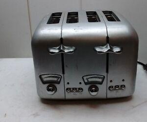 DeLonghi-RT400-Brushed-Steel-4-Slice-Toaster-Defrost-Bagel-Cancel-Option