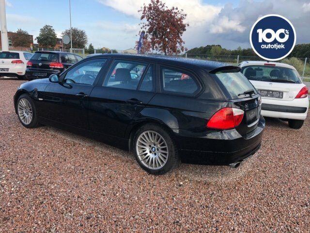 BMW 320i 2,0 Touring Benzin modelår 2008 km 198000