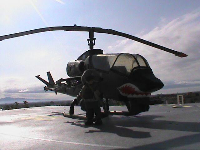 PLAYMOBIL CUSTOM  HELICOPTERO COBRA  PILOTO  -003  BIS