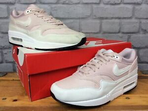 NIKE-LADIES-UK-5-EU-38-5-BARELY-ROSE-WHITE-AIR-MAX-1-TRAINERS-PASTEL-EP