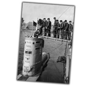 World-War-Photos-submarine-is-preparing-to-go-to-sea-Photo-034-4-x-6-034-inch-Z