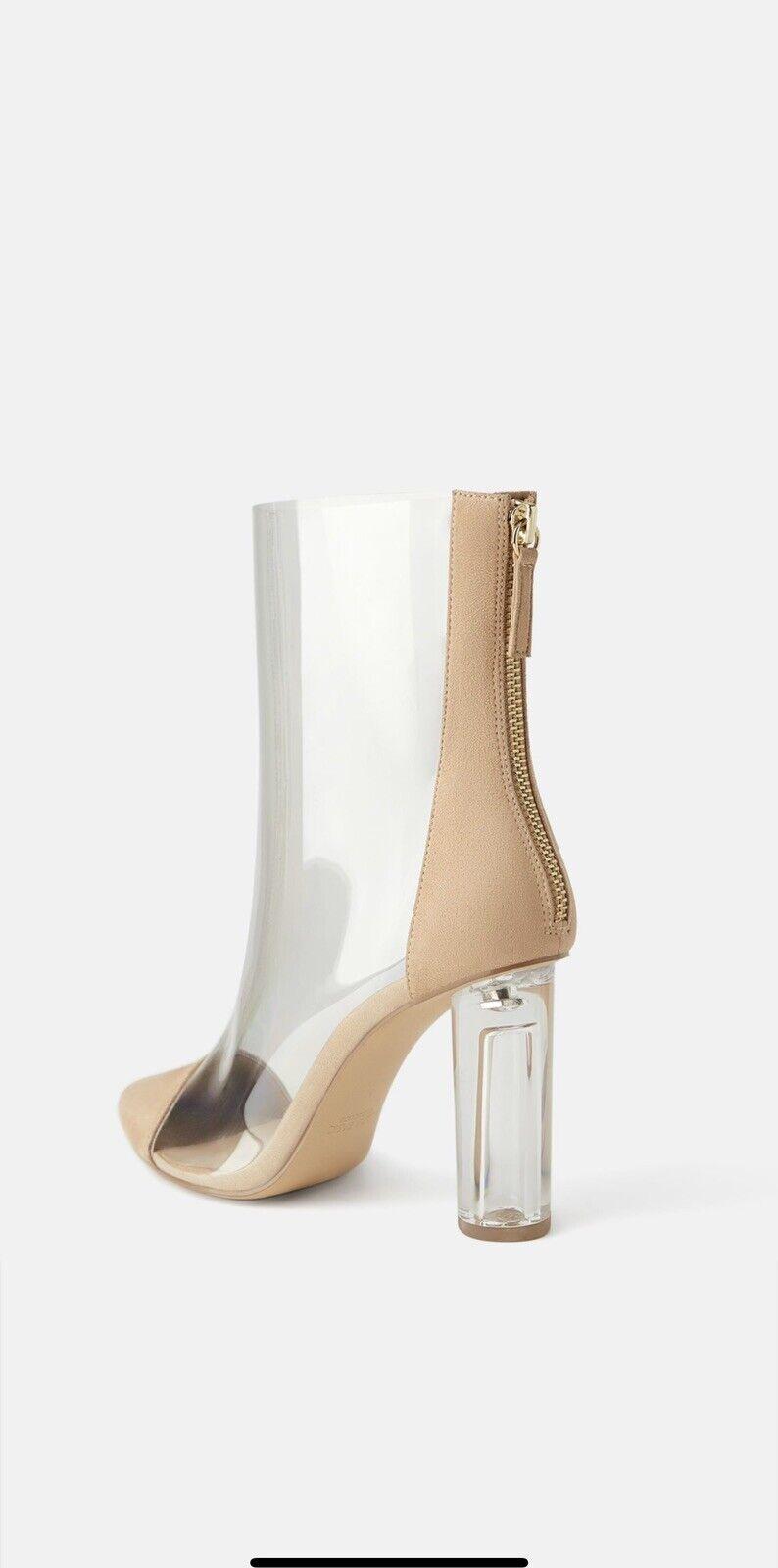 Zara Natural Beige Tacón Alto botas al tobillo de vinilo transparente