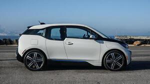 BMW-I3-Tuere-vorne-rechts-kpl-gebraucht-in-guten-Zustand-Farbe-CAPPARISWEISS