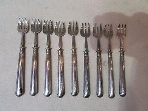 9-anciennes-petites-fourchettes-a-crustaces-argent-massif-poincon-minerve-19-eme