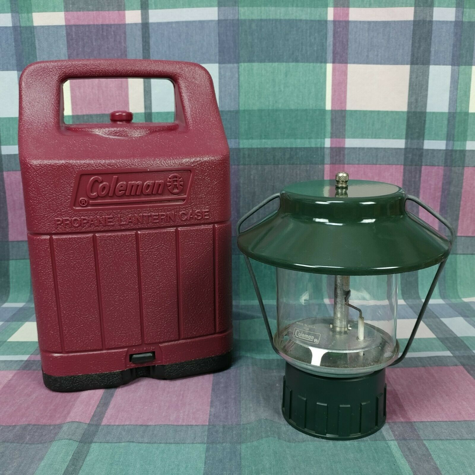COLEMAN Propane Lantern with Red Carrying Case 2 Mantle H-88 USA Camping Light