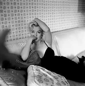 MARILYN MONROE SEATED BEAUTY IN FUR HAT RARE 4x6 GalleryQuality PHOTO 1