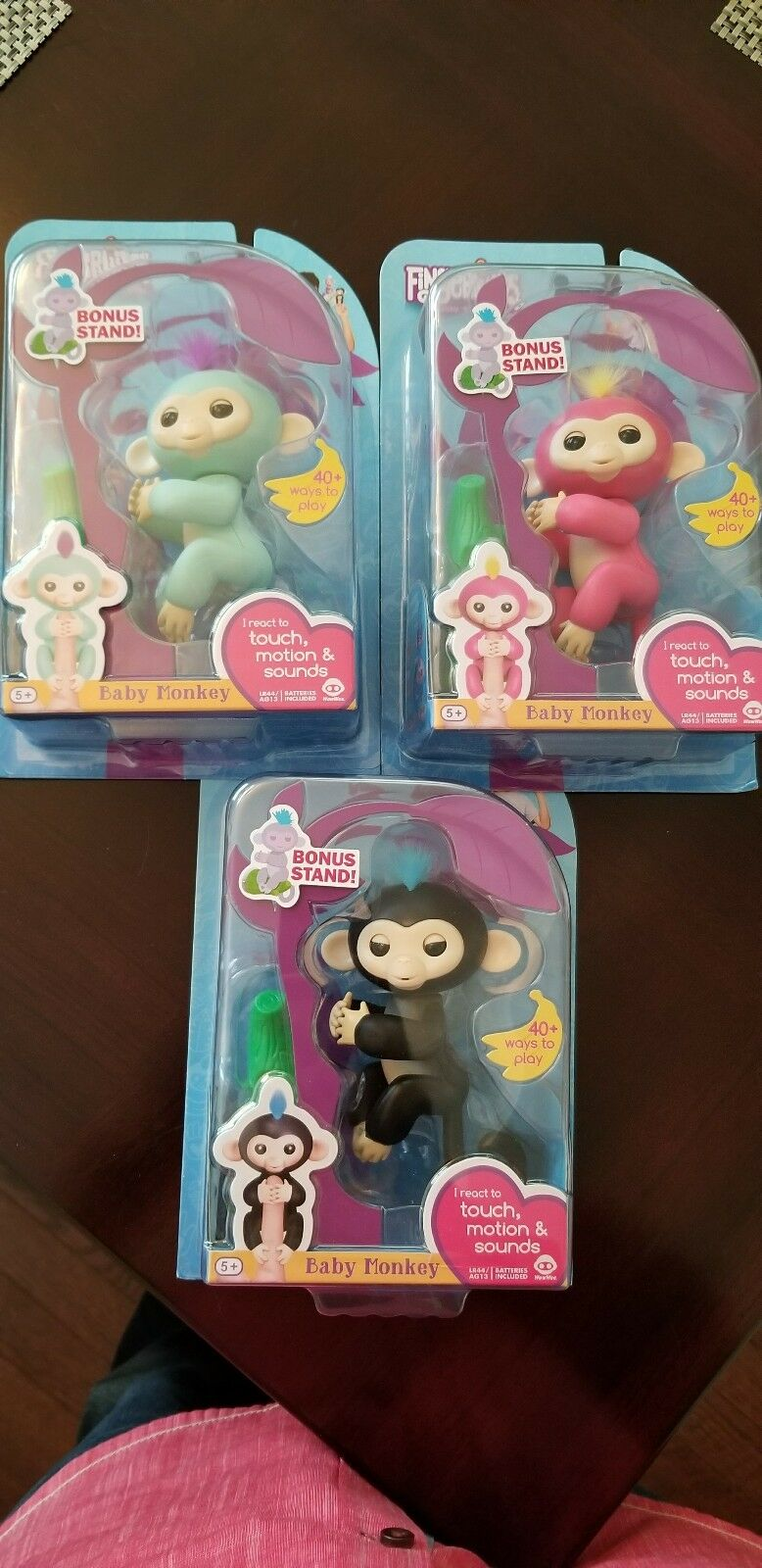 WowWee FINGERLING  Monkey Mia, Bella, and Finn all 3 with BONUS STAND. In hand.