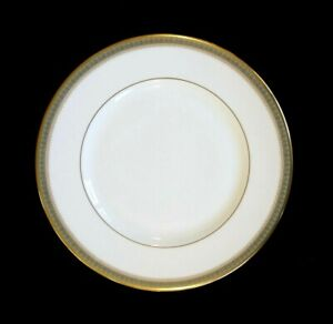 Beautiful-Royal-Doulton-Clarendon-Lunch-Plate