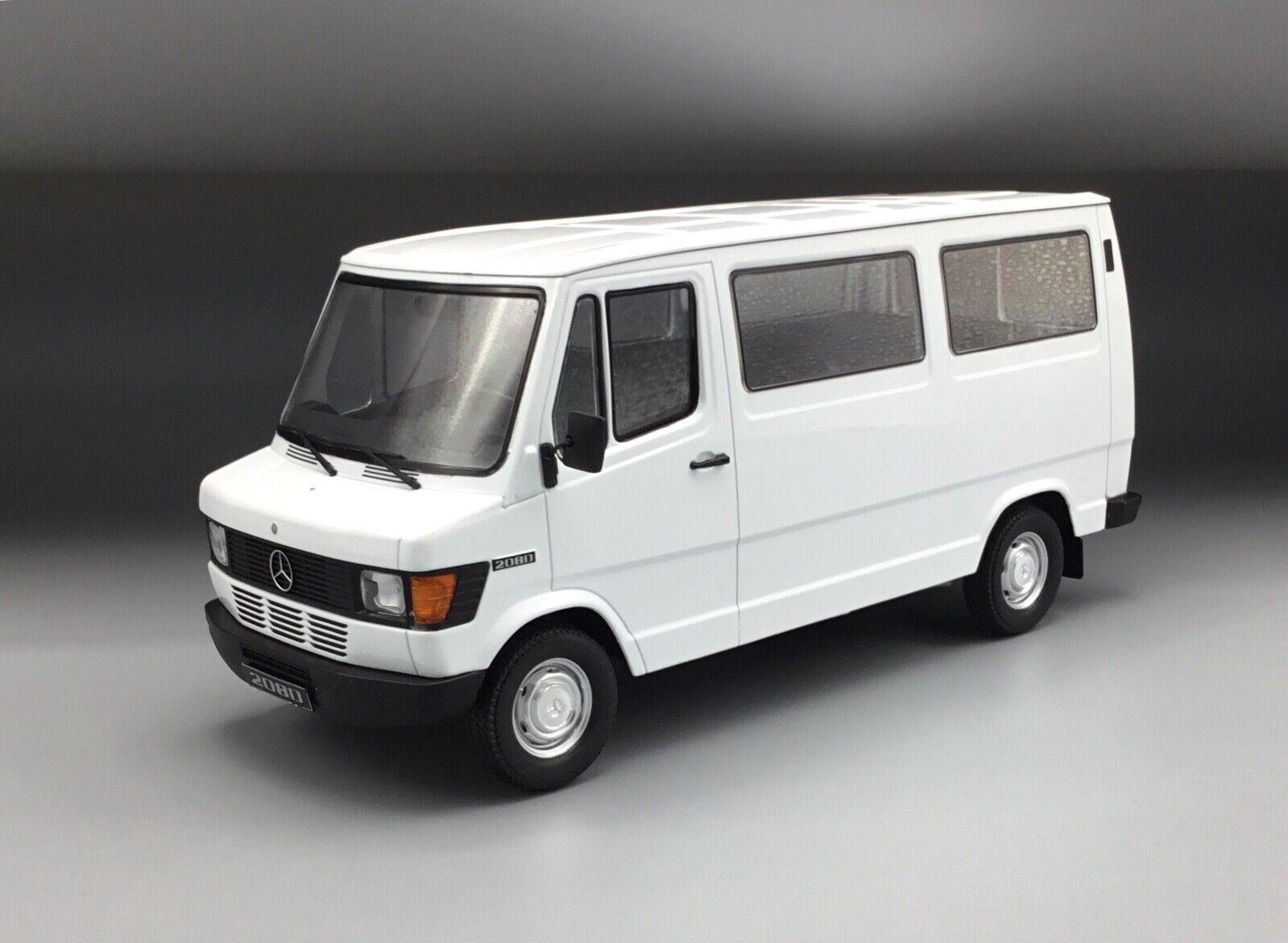 Mercedes Benz t1 208d (208 D) Bus Blanc - 1 18 KK-Scale  New