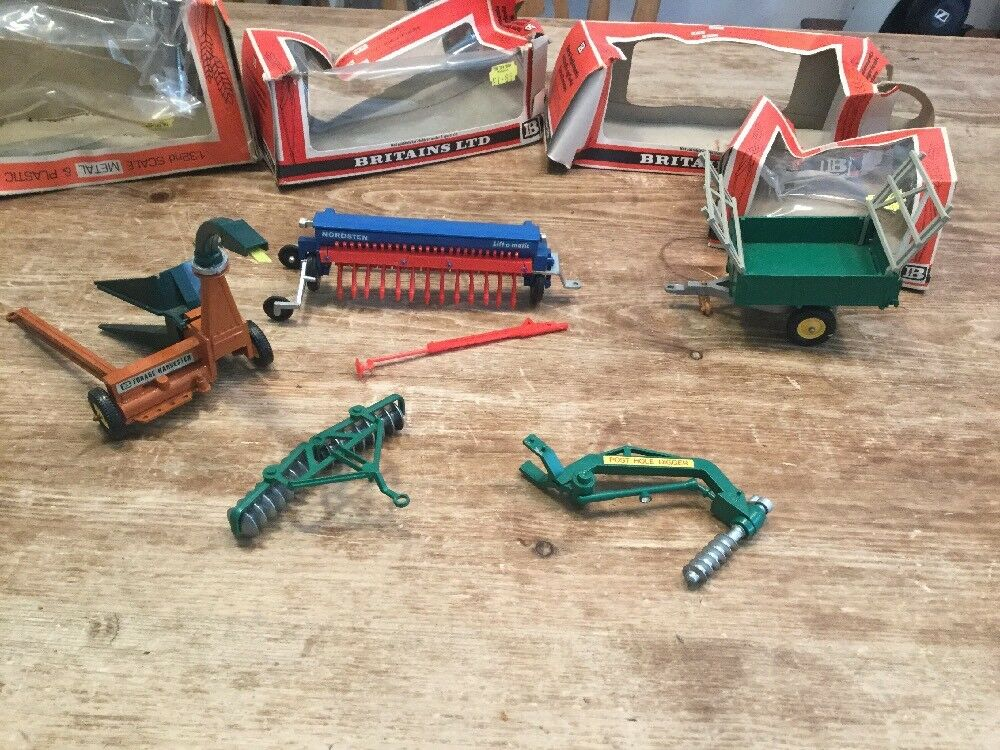 Vintage Britains Farm Toys Trailer And ImpleSiets With Original Box's