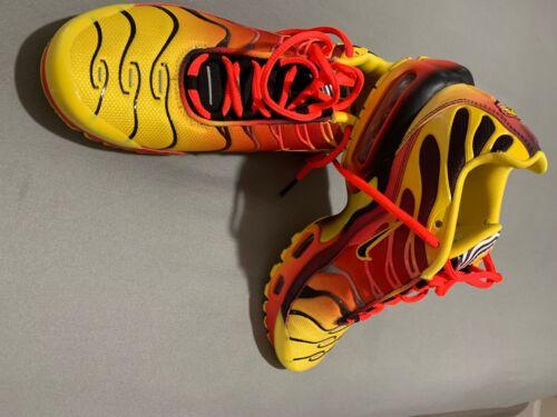 sneakers - image 1