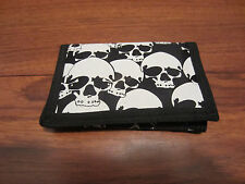 MENS  CHAIN TRIFOLD  WALLET BLACK  WITH ALLOVER WHITE SKULL ON IT