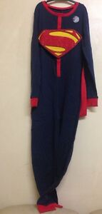Boys-Girls-SUPERMAN-ALL-IN-ONE-PJ-with-CAPE-Fancy-Dress-Age-039-s-2-14-Years-NEW
