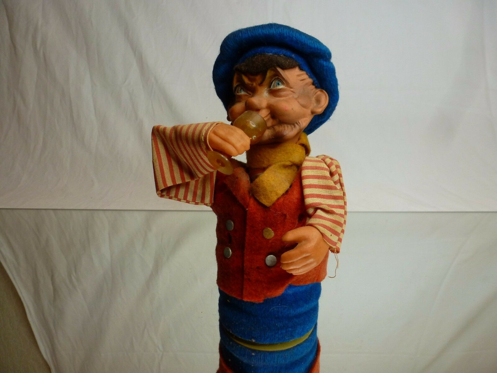 VINTAGE DDR DRINKING PUSH PUPPET IN TRADITIONAL CLOTHES - L18.0cm - NICE