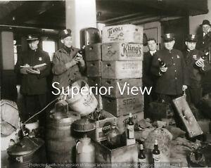 Detroit-Police-Prohibition-Beer-Whiskey-Raid-Strohs-Beer-Cases-Beer-Barrels-LOOK