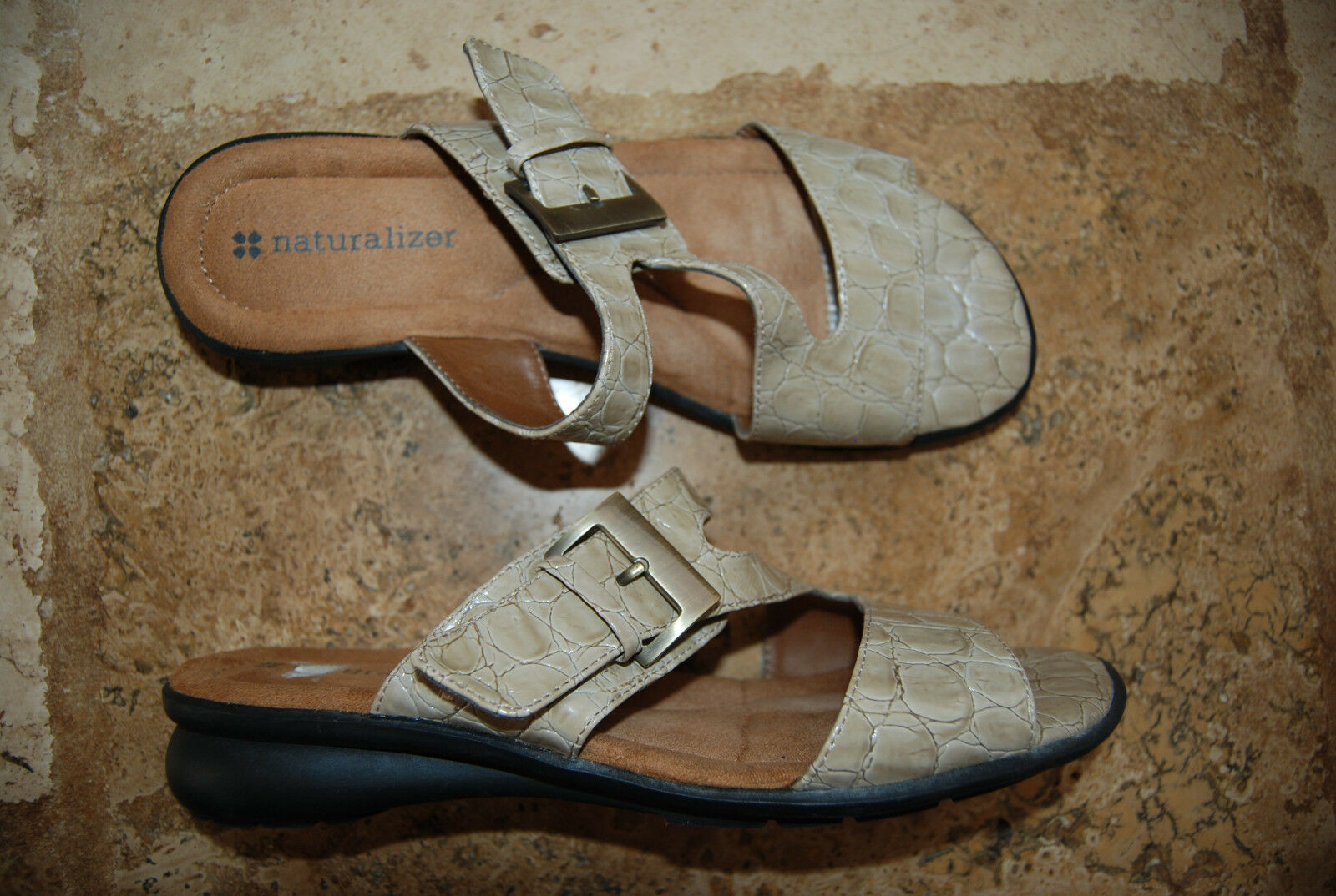 Tan Croc OpenToe Embossed Faux Leather NATURALIZER OpenToe Croc Slides w/Big Buckle 7.5 M 527625