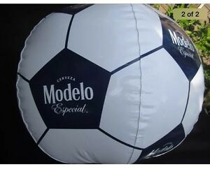 Modelo-White-Soccer-Ball-Inflatable-Beer-Blow-Up-especial