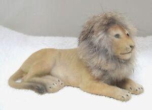 Vintage-Flocked-Tawny-Lion-Laying-Down-w-Soft-Mane-6-034-x-2-1-2-034-x-3-034-T47